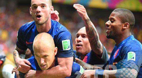 Belanda hancurkan juara dunia Spanyol 5-1