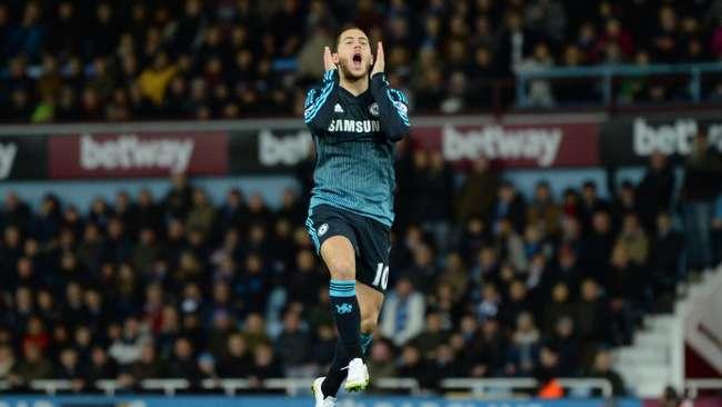 Eden Hazard mulai masuk dalam radar bidikan Real Madrid. (Reuters / Tony O'Brien