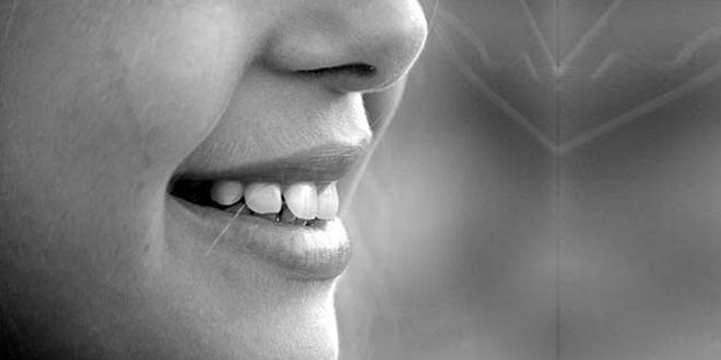 Cara Memutihkan Gigi Secara Alami Ini Hari