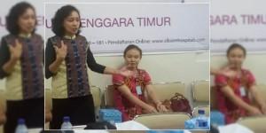Dokter Ahli Jantung - Dokter Leonora Tiluata (Berdiri) ditemani rekannya sesama ahli jantung - Doter Lowry Yunita (Duduk).