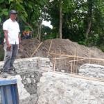 PPK Irigasi dan Rawa I Satker PJPA BWS NT II - Ruben Riwu (Baju Putih) Sedang Meninjau Pekerjaan