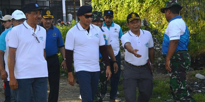Gubernur Nusa Tenggara Timur - Viktor Bungtilu Laiskodat, Saat Memimpin Aksi Bersih-Bersih Sampah
